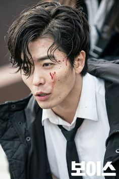 "Kim Jae Wook is  simply brilliant in the drama "" VOICE"" !"