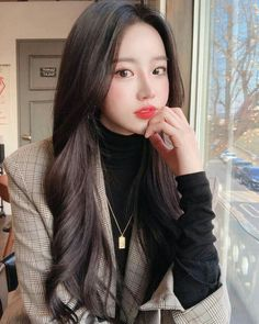 Pretty Korean Girls, Korean Beauty Girls, Cute Korean Girl, Asian Beauty, Korean Girl Photo, Ulzzang Korean Girl, Kpop Fashion Outfits, Fashion Kids, 80s Fashion