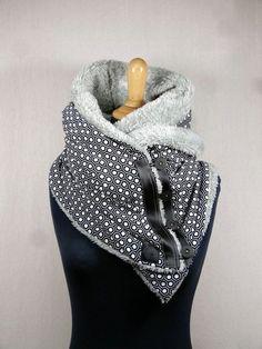 287b9414cda0 Scarf hood geometric black and white, Christmas gift idea. Écharpe capuche  motif géométrique noir et ...