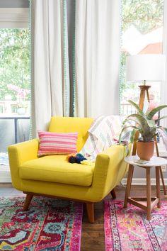 Yellow mid-century modern chair dream furniture, cool furniture, dream home desig Dream Furniture, Cool Furniture, Country Furniture, Quirky Home Decor, Modern Decor, Living Room Designs, Living Room Decor, Elegant Dining Room, Boho Home