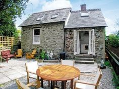 Rashleigh's (ref TKB) in Tywardreath, near Fowey, Cornwall Holiday Cottages Uk, Morris Dancing, English Country Cottages, The Bistro, Local Pubs, Cornwall, The Locals, Patio, Outdoor Decor