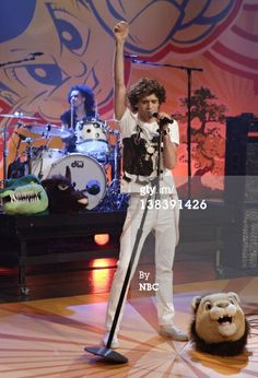 THE TONIGHT SHOW WITH JAY LENO -- Episode 3333 -- Pictured: Musical guest Mika performs on March 26, 2007