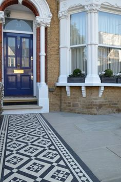 Front garden Victorian black and white mosaic London Balham Clapham Kingston Bromley Croydon Richmond Kew Chiswick - London Garden Design Front Garden Ideas Driveway, Front Path, Garden Front Of House, House Front Door, House Entrance, House Wall, Victorian Front Garden, Victorian Front Doors, Victorian Terrace House