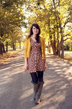 I have a mustard cardigan like this. Love the look, especially the color combo, belt, & boots. Cute Fall Outfits, Fall Winter Outfits, Pretty Outfits, Autumn Winter Fashion, Looks Cool, Looks Style, Style Me, Fashion Moda, Look Fashion