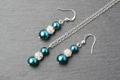 Teal bridesmaid jewelry set, Teal pearl earrings and necklace set, Teal wedding jewelry, teal jewelry, bridal party gift, bridesmaid gift by BijouxKarmaJewelry on Etsy