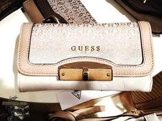 Guess wallet - ...::: Focused on Photos :::...