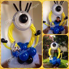 Minion balloon photo frame, party balloons, minion party decorations Minions Birthday Theme, Minion Theme, It's Your Birthday, Minion Party Decorations, Balloon Decorations, Event Themes, Party Themes, Grad Parties, Birthday Parties