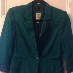 Blue green blazer Great summer blazer. Light weight and extremely comfortable. The sleeves are cuffed and come that way. Works well with jeans or work clothes. Looks brand new, just cleaning out closet. Decree Jackets & Coats Blazers