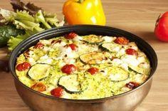 Auflauf mit Hähnchen, Feta, Paprika, Tomaten und Zucchini