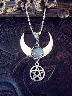 Labradorite Moon, Moon and Pentagram Necklace, Labradorite Crystal, Protection, Pentagram Pendant, Witch Moon