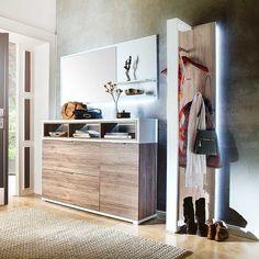 Garderobenset in Eiche San Remo Weiß bei Pharao24.de kaufen. Schöne moderne Garderobenmöbel in Eiche San Remo mit Weiß kombiniert. Toller Effekt durch indirekte Beleuchtung! Lassen Sie sich inspirieren von dieser schönen Einrichtungsidee für den Eingangsbereich. Hier ansehen: http://www.pharao24.de/garderobenset-defelira-in-eiche-san-remo-weiss-mit-led-beleuchtung-3-teilig.html#pint
