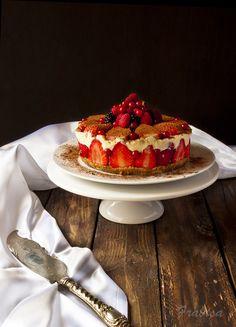 La cocina de Frabisa: Tiramisú de fresas. RECETA Cupcakes, Something Sweet, Tiramisu, Waffles, Buffet, Strawberry, Sweets, Breakfast, Desserts
