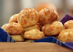 Бон Апети Въздушни хлебчета с пекорино и пипер