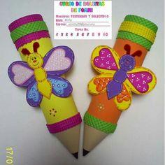 Lapices cartucheras Foam Crafts, Easy Crafts, Diy And Crafts, Crafts For Kids, Arts And Crafts, Paper Crafts, Merian, Paper Fans, School Decorations