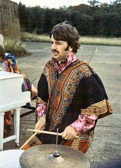 #THEBEATLES #RINGOSTARR I am The Walrus clip, 1967.