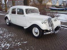 Citroën Traction Avant  1952 ✏✏✏✏✏✏✏✏✏✏✏✏✏✏✏✏ IDEE CADEAU / CUTE GIFT IDEA  ☞ http://gabyfeeriefr.tumblr.com/archive ✏✏✏✏✏✏✏✏✏✏✏✏✏✏✏✏