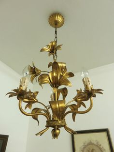 GLORIOUS GOLD ITALIAN TOLE TOLEWARE LILIES CHANDELIER LIGHT LAMP SHABBY STYLE