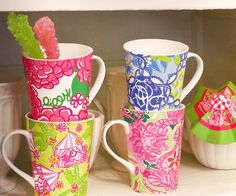 Lilly Pulitzer, Latte Da! Mugs.