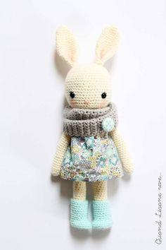 Modernos diseños de punto a dos agujas de Shannon Cook .     Modern knit designs by Shannon Cook .                     Precioso trabajo d...