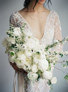 all white bridal bouquet ranunculus   photography: Katie Grant