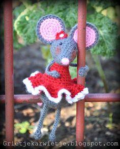 Grietjekarwietje.blogspot.com: Pip the Mouse, free pattern