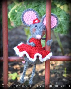 Grietjekarwietje.blogspot.com: Pip the Mouse, free pattern