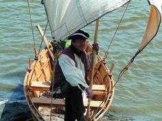 Billy Rioux à bord de la réplique du batteau de 1749