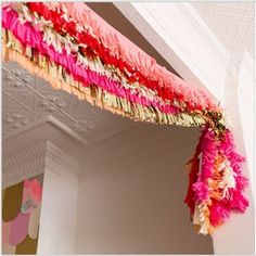 Lovely garland for a party Photobooth Ideas, Diy With Kids, Do It Yourself Quotes, Hawaian Party, Serpentina, Celebrate Good Times, A Little Party, Creation Deco, Festa Party