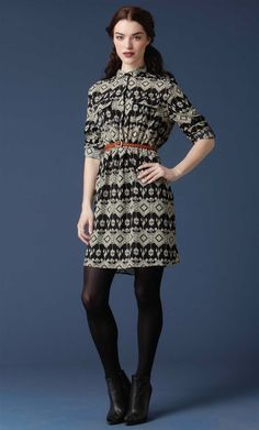 I love the print on this dress.