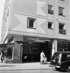 Nedgången till tunnelbanan vid Medborgarplatsen 1952 - Stockholmskällan