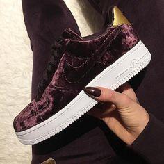 Nike Air Force 1 '07 Premium – Port Wine. Cooler Sneaker für Frauen oder? Foto: https://www.instagram.com/ninosh___/
