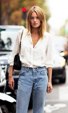 Blue jeans, white shirt perfecto classic 90's