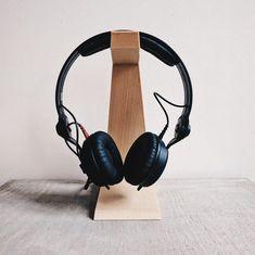 Headphone holder / stand / dock design minimalist design printed in wood/ desk organizer / original gift for him or her Bureau Design, Stockholm Design, Headphone Holder, Pot A Crayon, Desktop Organization, Wood Home Decor, Wood Desk, Recycled Wood, Shops