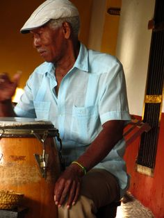 Bacardi, Cuba Music, Cuba Photography, Viva Cuba, Columbus Travel, Nostalgia, Painting People, Havana Cuba, Traditional Fashion