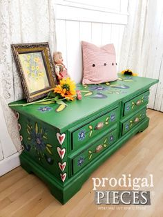 Vintage Blanket Chest with Folk Art Style - Prodigal Pieces Hand Painted Furniture, Art Furniture, Repurposed Furniture, Shabby Chic Furniture, Painting Furniture, Elementary Art Rooms, Polish Folk Art, Vintage Blanket, Blanket Chest