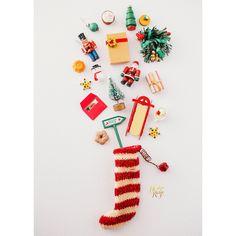 Christmas Flatlay, Christmas Minis, Christmas Gifts For Women, Retro Christmas, Christmas Baubles, Christmas Pictures, Christmas Stockings, Christmas Campaign, Christmas Photography