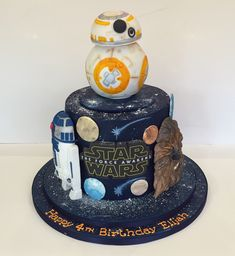 Creative Image of Star Wars Birthday Cake Ideas . Star Wars Birthday Cake, Themed Birthday Cakes, Birthday Cupcakes, Birthday Cake Toppers, Themed Cakes, Theme Star Wars, Lego Star Wars, Meninas Star Wars, Star Wars Dark