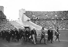 Reich Chancellor Adolf Hitler leading officials of the International Olympic Committee into the Berlin Olympic Stadium Germany 21 Jun 1936 1936 Olympics, Berlin Olympics, Olympics News, Summer Olympics, Olympic Athletes, Olympic Team, Olympic Games, Hiroshima, Jimi Hendrix