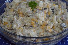 W kuchni u Moniki...: Czosnkowa sałatka ziemniaczana z pieczarkami