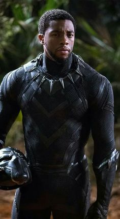 """Marvel debuted several new photos for its upcoming film """"Black Panther,"""" starring Chadwick Boseman and Michael B. Marvel Comics, Marvel Films, Marvel Characters, Marvel Heroes, Marvel Cinematic, Marvel Avengers, Avengers Movies, Black Panther Marvel, Black Panther 2018"""