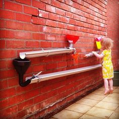 Fun with water! #waterwall #waterpret #kleuters
