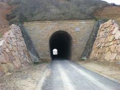 En servicio el primer tramo del Camino Natural Vía Verde del Valle de Eresma con 24,5 kms de longitud http://revcyl.com/www/index.php/medio-ambiente/item/3287-en-servicio-el-primer-tramo-del-camino-natural-v%C3%ADa-verde-del-valle-de-eresma-con-245-kms-de-longitud