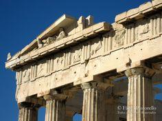 Um roteiro de viagem da Grécia. Afinal aGrécia é a viagem dos sonhos de muita gente.Às vezes existem certos lugares que parecem tão oníricos que a gente até esquece de que é possível realizar aquele sonho. Durante muito tempo não cogitei ir para a Grécia, parecia tão fantástico que eu tinha medo de me decepcionar....