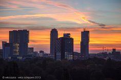 Mooie zonsopkomst van de Rotterdamse skyline