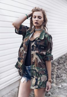 Grunge glam choker military jacket camo choker shorts distressed spring summer outfit look @racheleudaley