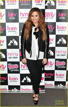 Happy birthday Demi I love you your my inspiration and you have an amazing voice