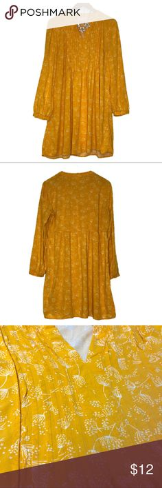 "Old Navy Golden Yellow Boho Chic Dress Size Large, Beautiful Boho Chic Dress, No Flaws!   Armpit to armpit: 21.5"" Length: 32.5""  **Necklace not included**  NO MODELING OR TRADES   Inventory #: 008 Old Navy Dresses Long Sleeve"