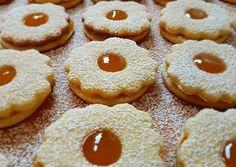 Linzer recipe main photo Biscotti Cookies, Cake Cookies, Hungary Food, Milk Cake, Hungarian Recipes, Kitchen Gadgets, Eid, Doughnut, Cake Recipes