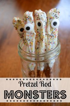 So EASY and SO *scary*! Pretzel Rod Monsters are the PERFECT Halloween party or classroom party treat... BOO! via @Jenny On The Spot
