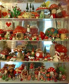 Mushroom Decor, Mushroom Art, Vintage Christmas, Christmas Crafts, Christmas Decorations, Displaying Collections, Kitsch, Stuffed Mushrooms, Pottery